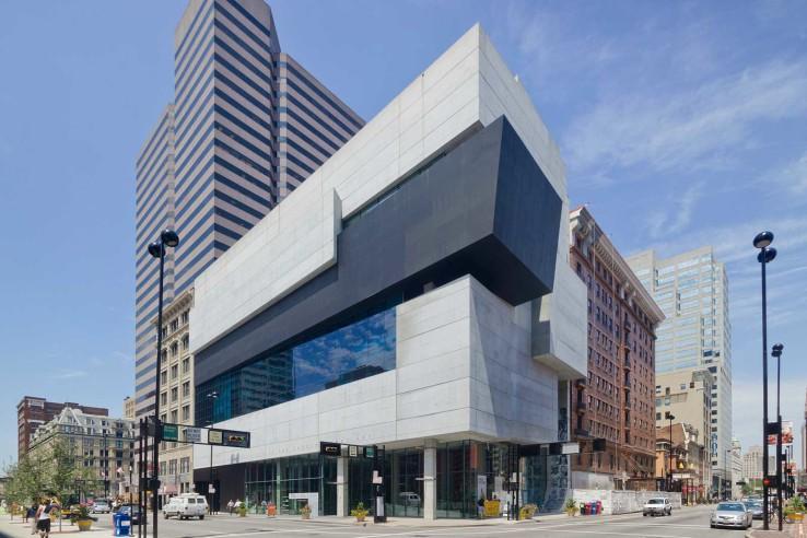 مركز روزنثال للفن المعاصر في مدينة سينسيناتي في أمريكا (2003)