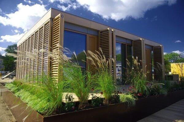منزل يعمل بالطاقة الشمسية السلبية