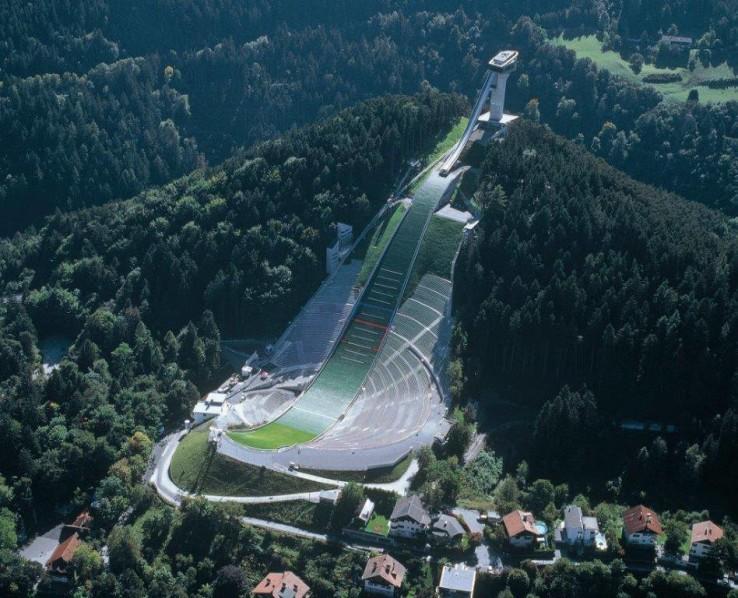 منصّة التزحلق في أنسبروك- النّمسا (2000)