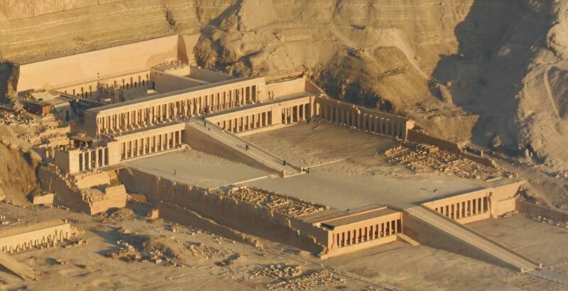 tumblr nmtllzpVAO1us8irco1 1280 min - العمارة المصرية القديمة